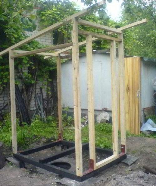 Строительство туалетного домика